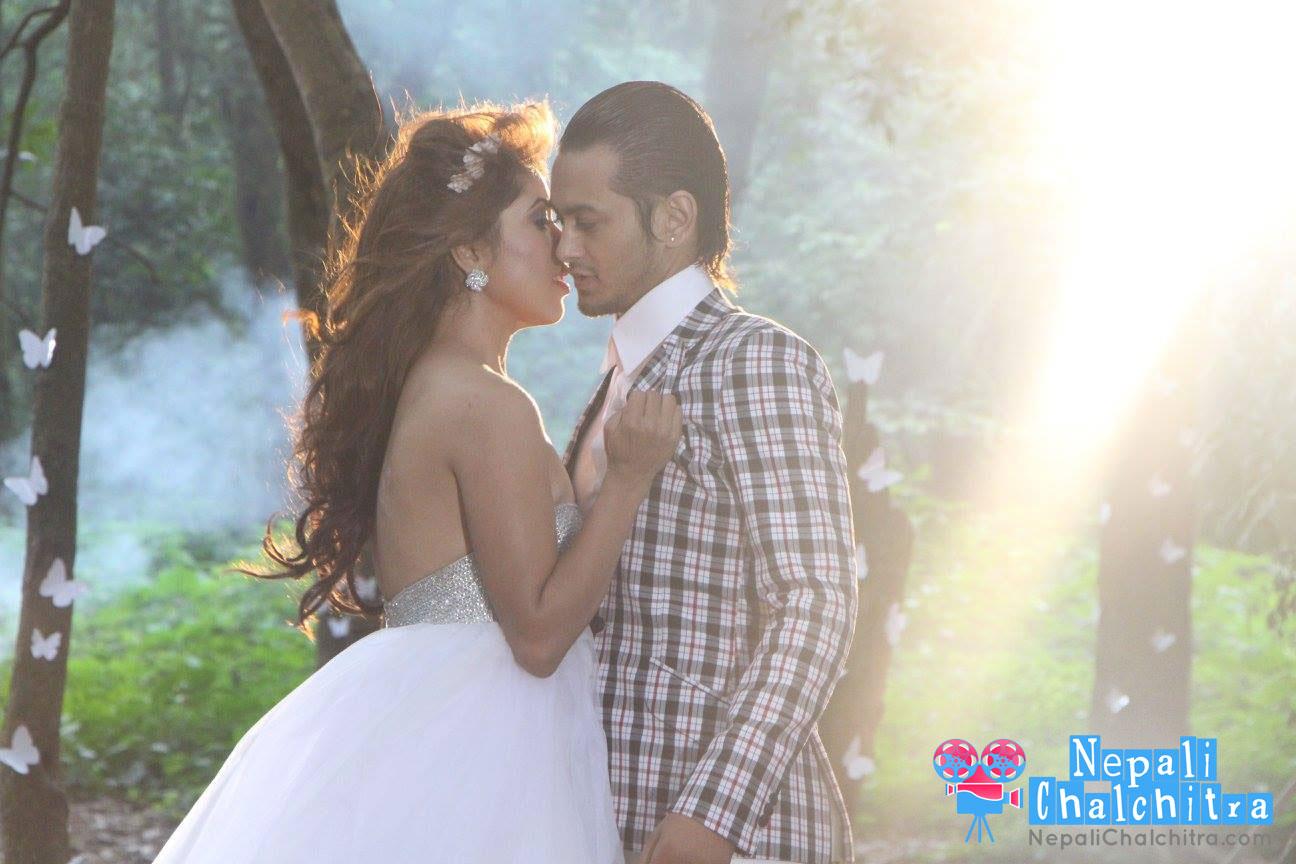 Prem Geet Movie Pooja Sharma With Pradeep Khakda