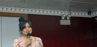Rekha Thapa awarded OFA popular Actress Award